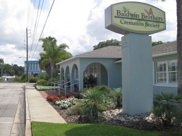 new smyrna beach funeral home entrance 3