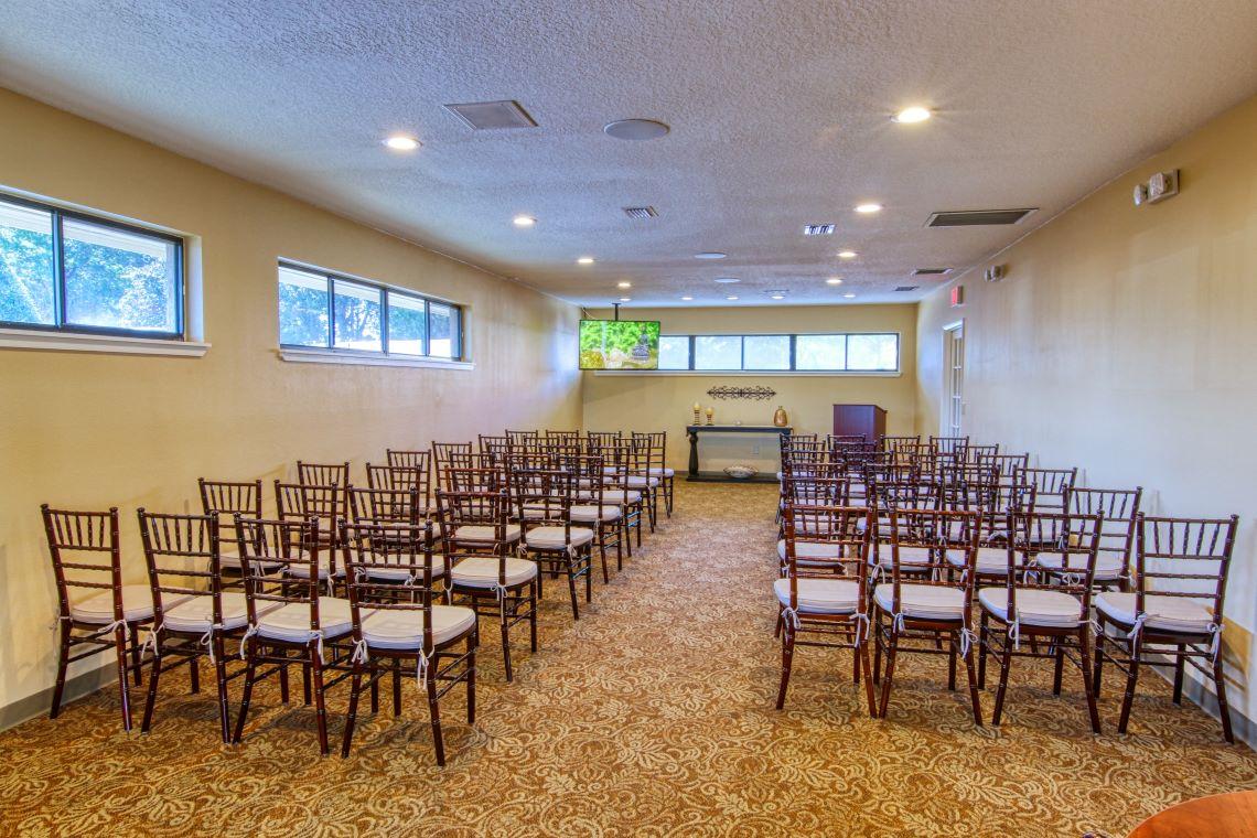 Tavares funeral home chapel