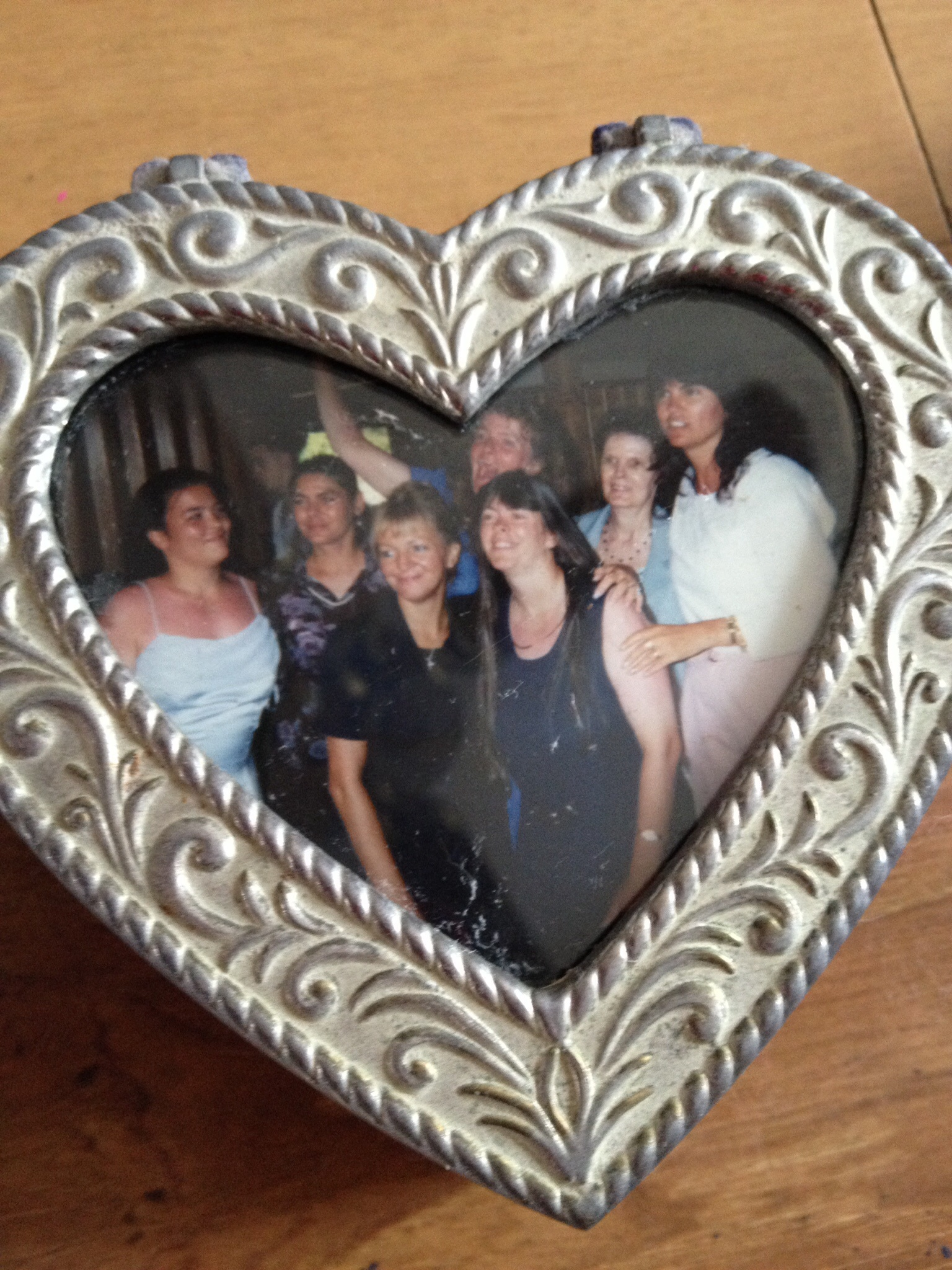 Happier times! Sheila with all her sisters, her mom and niece Kimberly :)