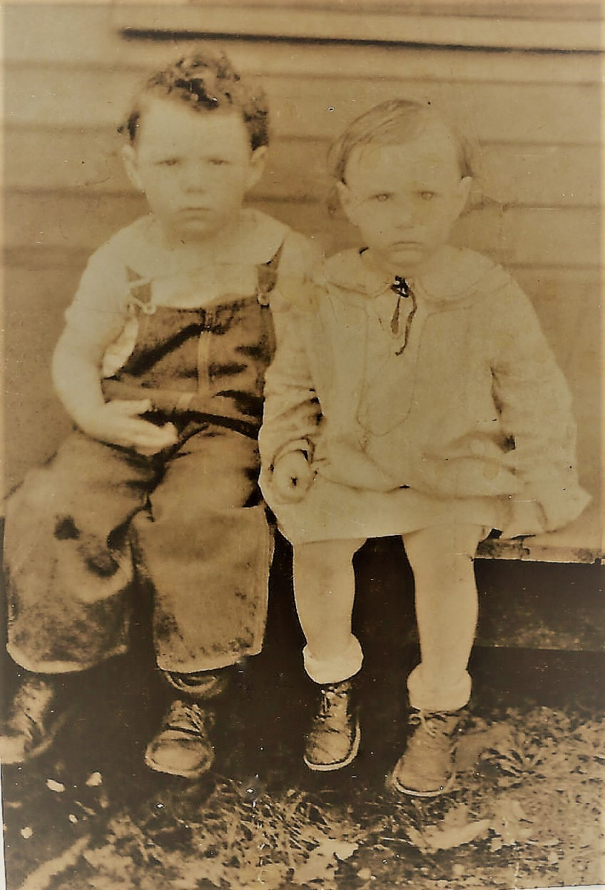 Very young picture of Doris & brother Norm