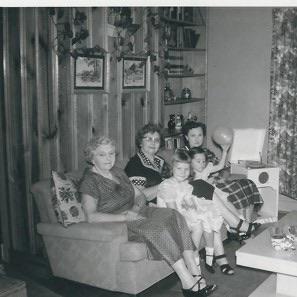 Great Aunt Sophia, Grandma, Great Aunt Mattie, Rheva and Denise (cousin)