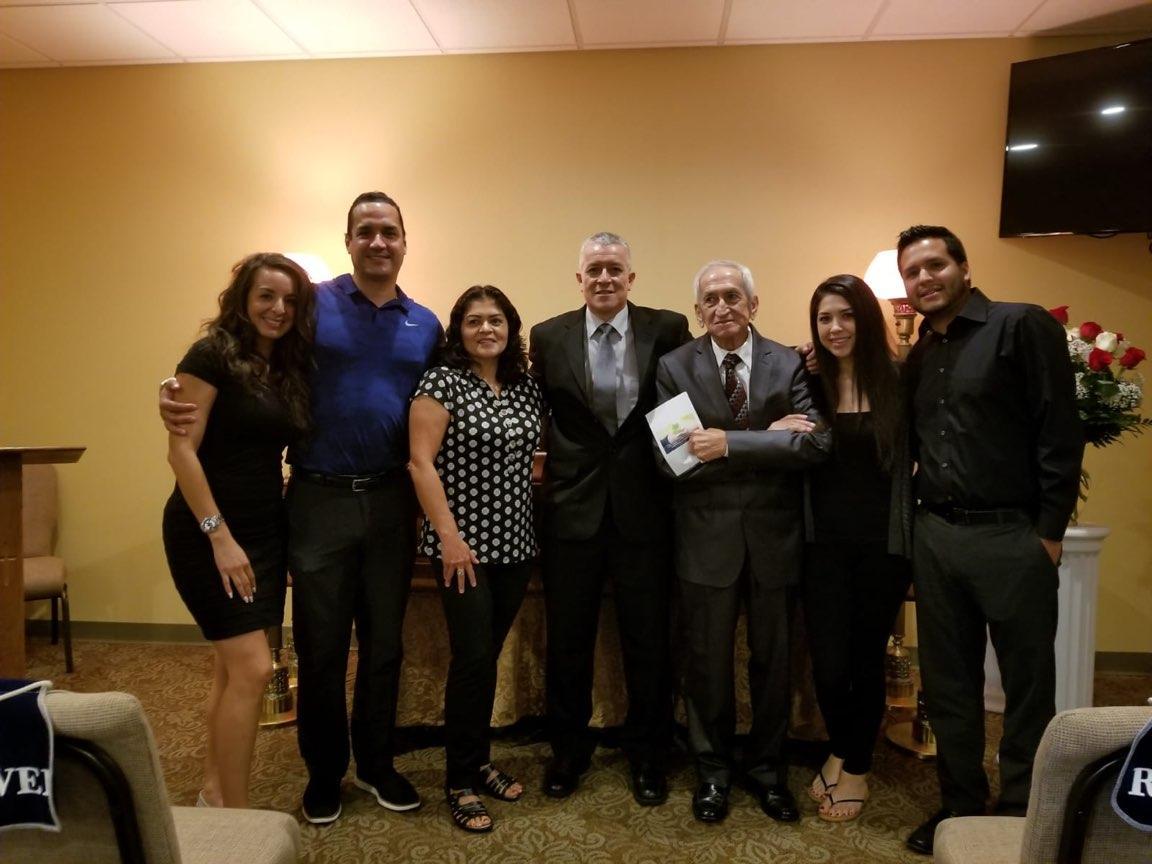 Jessica,Jorge,Esperanza{CUZZ!},Carlos A.,Luis Alfonso, Esmeralda y David Carvajal.