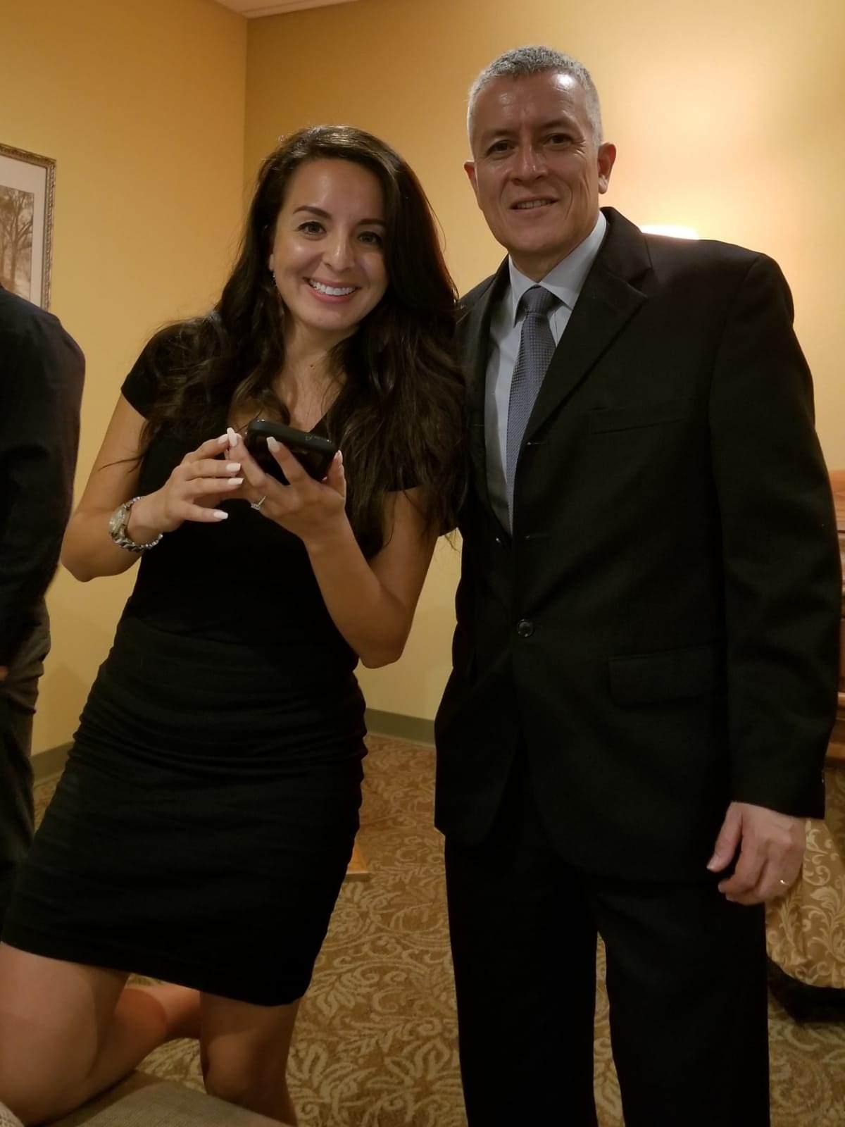 Jessica Lynn y el daddy Carlos A Carvajal. Y estabamos muy contentos que tantos personas atendieron el velorio.