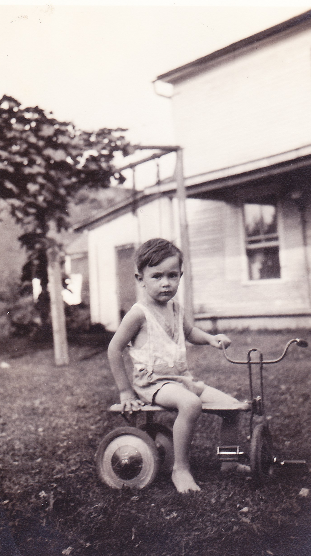 Dick on the family farm in Essex, Vermont, early 1930s