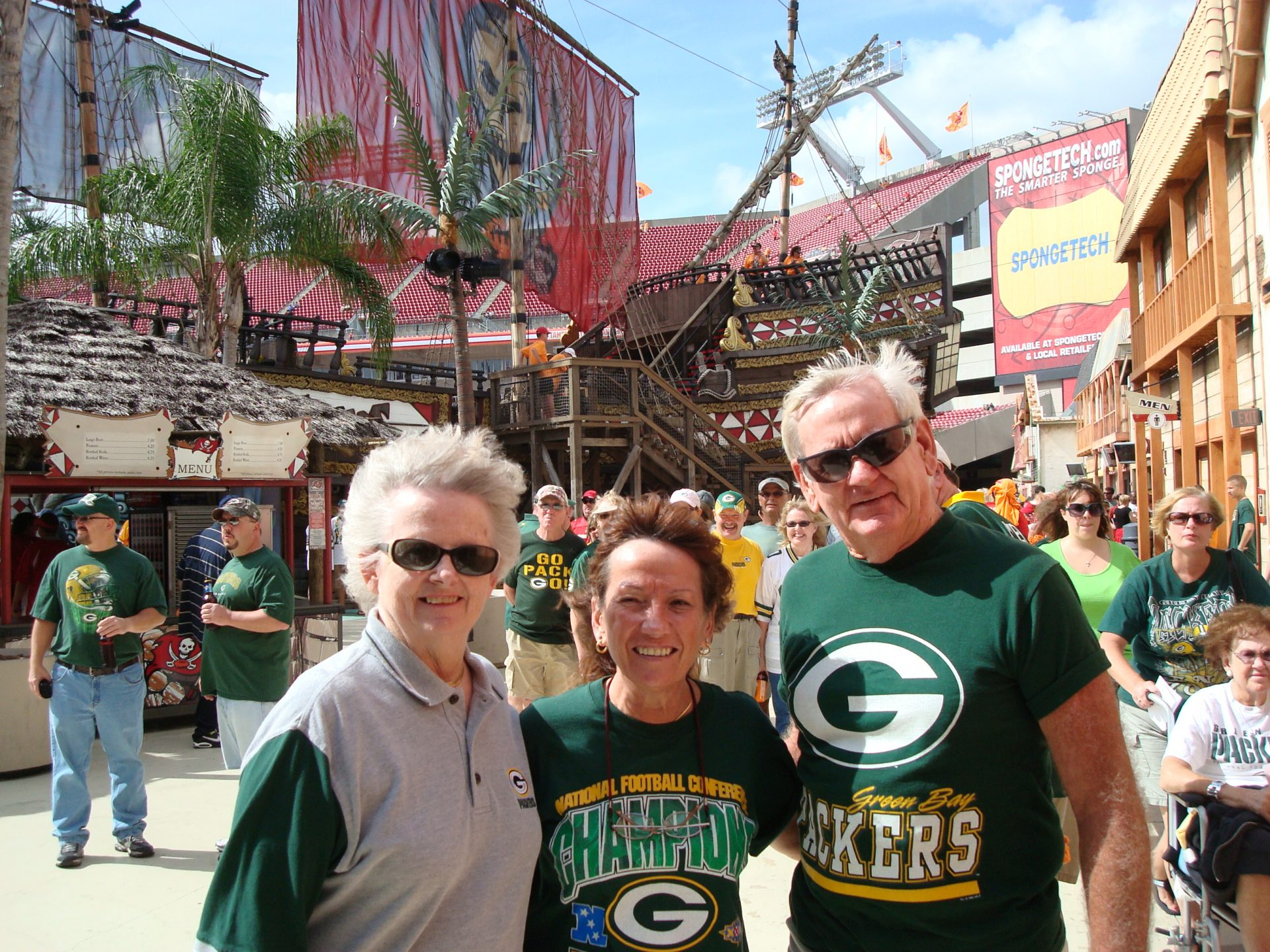 Michelle and Dick loved the Green Bay Packers...!
