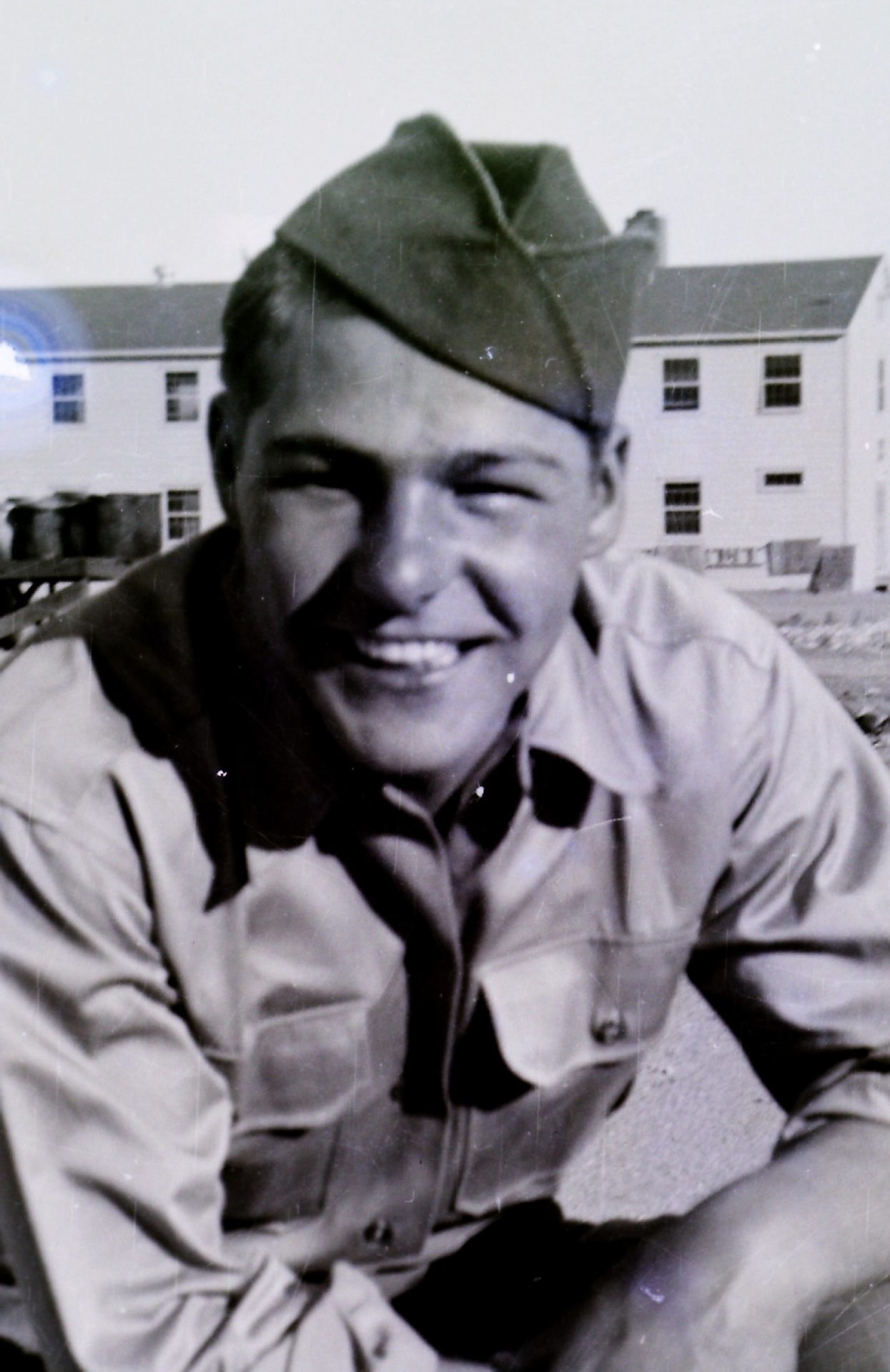 Thank you for your service to our country uncle George.   May you Rest In Peace.<br /> Condolences to Aunt Betty, Jim and Greg.