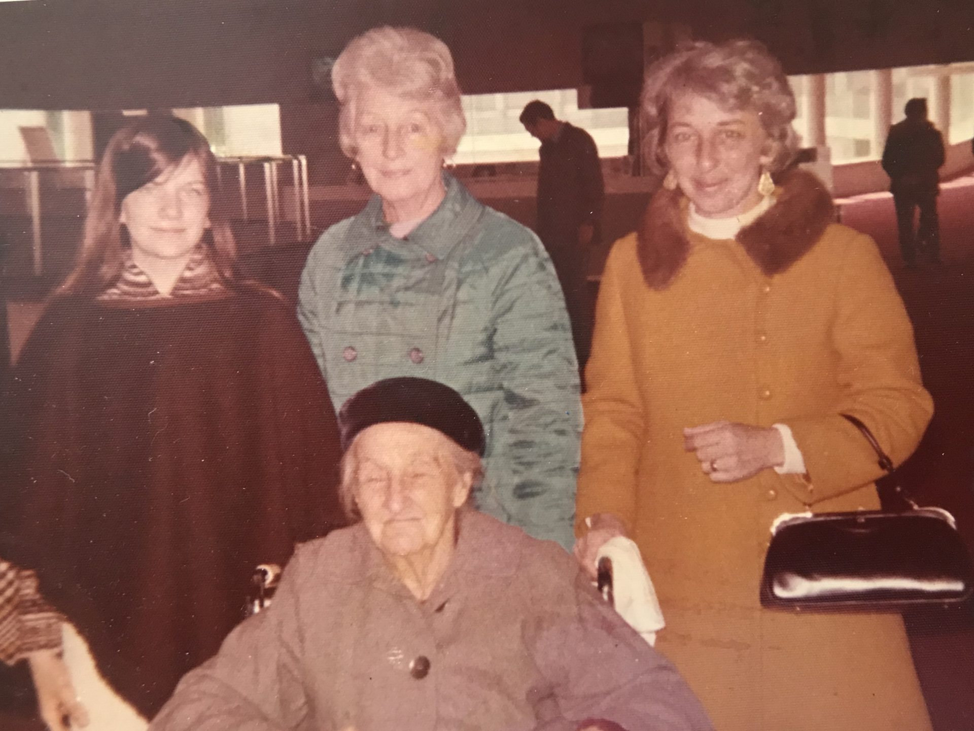 Lisa, Nana, Mom and Great Grandma