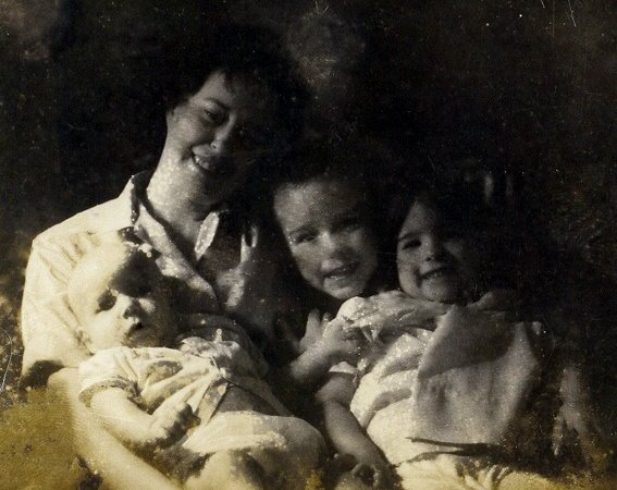 1961 - Virginia and her three children:  Steve, Sharon and Rich