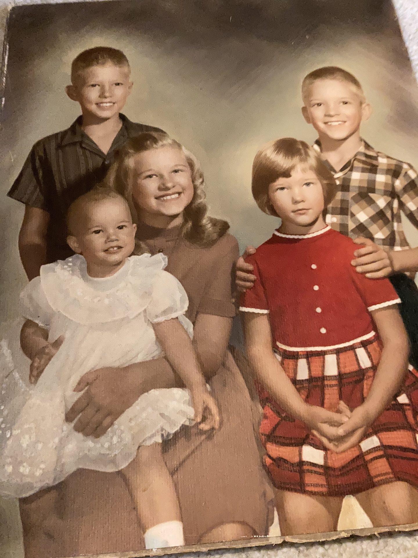 Family portrait Joey Donna Danny Adrienne Diane