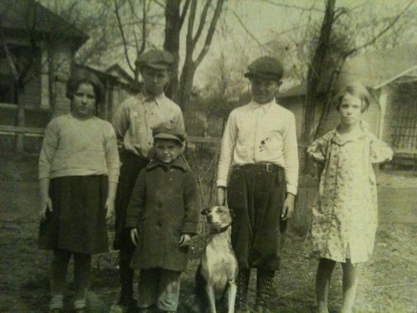 Ruth,Boyd,Charles,Ralph,Martha on Vicksburg