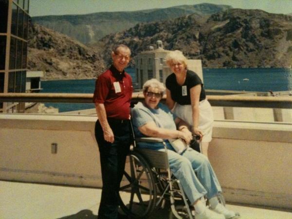 Boyd,Dorathea,Laura Sustrik at Hoover Dam